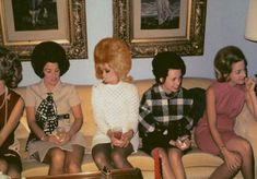 Vintage Hair The Era That Even Middle-Aged Women Looked So Cool ~ vintage everyday Bad Hair Day, Big Hair, Vintage Beauty, Vintage Fashion, Vintage Glam, 70s Fashion, Vintage Dress, Vintage Style, Vintage Ladies
