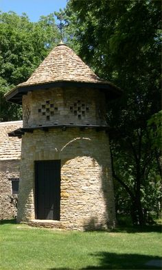 Cotswold Cottage Dovecote at Greenfield Village in Dearborn, MI originally came from the same area as the Cotswold Cottage, Chedworth, Gloucestershire, England, and was built about the same time as the cottage, c. 1620. Dovecotes were used to house doves or pigeons, which were eaten for meat In the 17th century, to provide an alternative to smoked and salted meats during the harsh winters.
