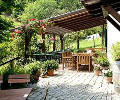 """Wagram/Großlage Klosterneuburg: Ubl-Doschek """"best of bio . Lokal, Outdoor Living, Outdoor Decor, Patio, Home Decor, Decorations, Thoughts, Outdoor Life, Decoration Home"""