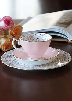 Royal Albert New Country Roses Rose Confetti 3-Piece Set - Teacup, Saucer and Dessert Plate