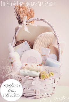 The Soy & Lemongrass Spa Basket Holiday Baskets, Easter Gift Baskets, Baby Gift Sets, Baby Gifts, Spa Basket, Soap Wedding Favors, Friend Birthday Gifts, Diy Spa, Spa Gifts
