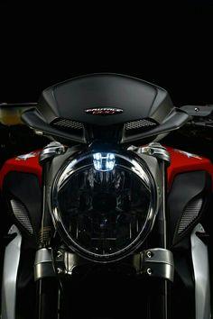 36+Badass+Pics+of+the+MV+Agusta+Brutale+800