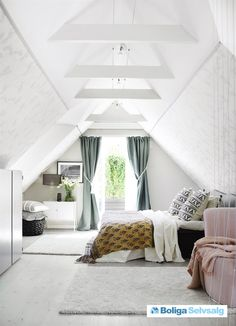 A scandi home with pastel touches - Daily Dream Decor Attic Master Bedroom, Attic Bedroom Designs, Attic Bedrooms, Attic Design, Bedroom Loft, Bedroom Decor, Attic Bathroom, Interior Design, Attic Loft