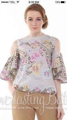 Blouse Batik, Frill Blouse, Batik Dress, Blouse Styles, Blouse Designs, Batik Kebaya, Batik Fashion, Dress Patterns, Dress Skirt