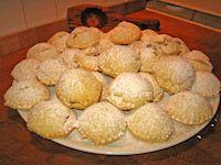mamoul: biscotti libanesi by fugzu Medieval Recipes, Ancient Recipes, Egyptian Recipes, Egyptian Desserts, Ancient Egyptian Food, Viking Food, Israel, Eastern Cuisine, Vintage Recipes