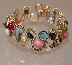 Pandahall.com DIY jewelry ideas - making beaded bracelet with wire and beads