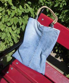 Beuteltasche mit Seilträgern und Magnetverschluss von As4Me - JeansUpcycling auf DaWanda.com