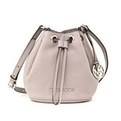 Αξεσουάρ Michael Michael Kors Bucket Bag, Michael Kors, Bags, Fashion, Purses, Moda, Fashion Styles, Taschen, Totes
