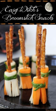 These easy Witch's Broomstick Snacks are sure to be a big hit at any Halloween Party. The snacks are simple to assemble and when stood up fill a nice amount of space on a Halloween Halloween Party Snacks, Halloween Fingerfood, Recetas Halloween, Hallowen Food, Halloween Goodies, Snacks Für Party, Easy Snacks, Appetizers For Party, Appetizer Recipes