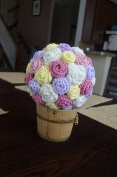 Crocheted Flower Bouquet with tutorial for flowers