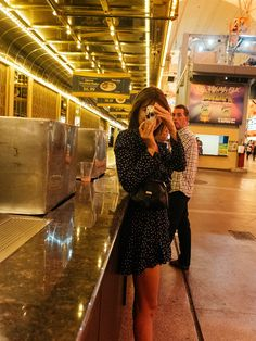Jeanne Damas Off Duty Street Style Inspiration 70s Fashion, Fashion Killa, French Fashion, Girl Fashion, Fashion Outfits, Style Fashion, French Girl Style, French Girls, French Chic
