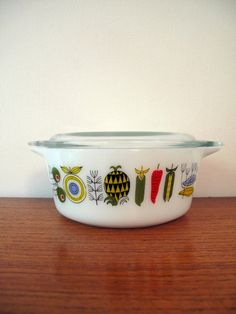 So adorable!  1960s Pyrex Vegetables Dish by GoodnightPrudence on Etsy, £8.00