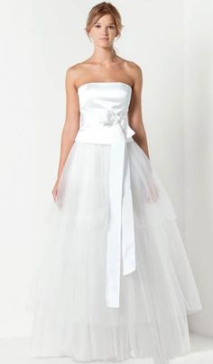 Satin and Tulle Strapless Straight Neckline A-line Wedding Dresses with Elegant Bow Sash - Bridal Gowns - goodcheapweddingdress Famous Wedding Dresses, Luxury Wedding Dress, Casual Wedding, Max Mara Bridal, Bridal Gowns, Wedding Gowns, Strapless Dress Formal, Formal Dresses, Bridal Collection