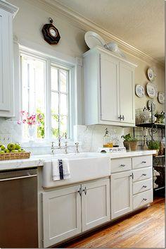 Pretty kitchen sink & window