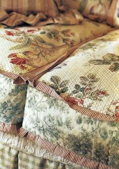 pretty slipcovers or upholstery ideas...