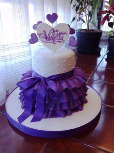 Torta de violetta Cake Decorating Techniques, Cake Decorating Tips, Fondant Cakes, Cupcake Cakes, Cupcakes, Violetta Torte, Bolo Musical, Ballerina Cakes, Birthday Cakes For Women