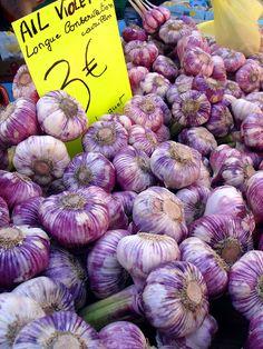 Purple garlic, Provence market
