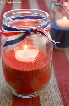Show your American spirit with this stylish, easy-to-make July centerpiece. It takes practically no time at all& have a decorated table before the first burger hits the grill. Patriotic Party, 4th Of July Party, Fourth Of July, Mason Jar Crafts, Mason Jars, Holiday Centerpieces, Centerpiece Ideas, 4th Of July Decorations, July Crafts