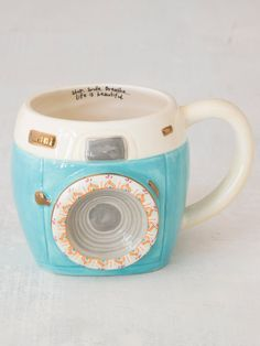 Cool Mugs, Unique Coffee Mugs, Camera Mug, Diy Gifts For Friends, Cute Cups, Natural Life, Natural Living, Mug Cup, Ceramic Mugs