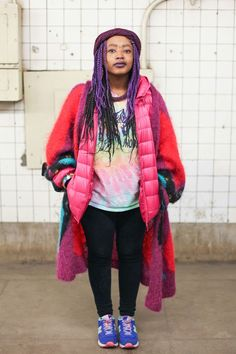 Subway Stalking! 60+ Real NYers En Route #refinery29  http://www.refinery29.com/nyc-subway-street-style#slide-41  This is how you do seapunk for winter.L Train, Bedford Avenue — 3/21, 6:23 p.m....