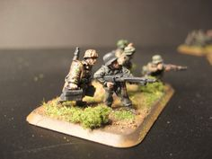 Flames of War, 15mm  SS Panzergrenadier, MG Team 2