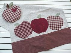 From Country Kitty: pot holder and tea towel.