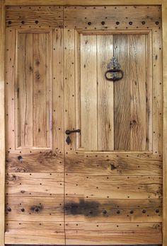 Door in old oak with 2 leaves. Antique Doors – manufacturer … Source by Oak Doors, Iron Doors, Entrance Doors, Oakwood Furniture, Door Furniture, Furniture Storage, Oak Front Door, Grey Front Doors, Antique Doors