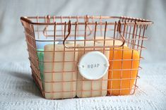 An easy DIY clay label to withstand your bathroom moisture, zentidyhome.com.