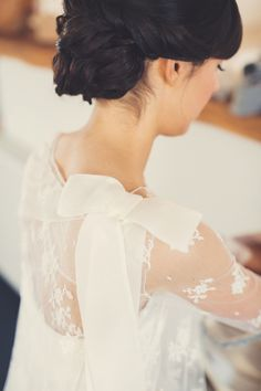 Chic bow detail: Photography : Anne-Claire Brun Read More on SMP: http://www.stylemepretty.com/?p=626575