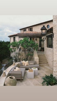 Take a look Beautiful Tuscan Patio Design For Elegant Homes Ideas 12 The Tuscan style integrates comfortable planet tones along with all-natural products along with buil.