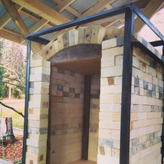 """The arch is done! Now the fun part.pulling out the form which is supported by four posts with a small block of wood on each for """"easy"""" removal. Pottery Kiln, Raku Kiln, Wood Kiln, Pinch Pots, Wood Blocks, Firewood, Brick, Pergola, Ovens"""