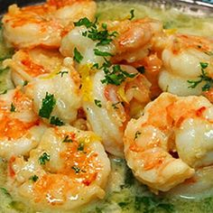 Easy Healthy Shrimp Scampi - they use chicken broth instead of butter! smart!