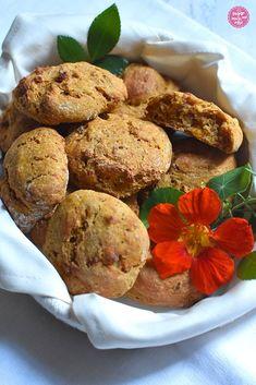 Unser täglich Brot: Kürbis-Speckweckerl - sugar&rose Muffin, Breakfast, Food, Peasant Bread, Brunch Ideas, Food Food, Morning Coffee, Essen, Muffins