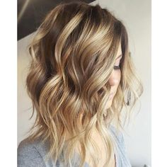 Stylish Short Wavy Hairstyles for 2017 2019 Haircuts, Hairstyles medium length haircut styles 2017 - Medium Style Haircuts Bob Hairstyles 2018, Side Swept Hairstyles, Wavy Haircuts, 2018 Haircuts, Brown Hairstyles, Stylish Hairstyles, Popular Hairstyles, Medium Hair Cuts, Medium Hair Styles