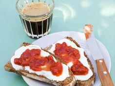 Erdbeerkonfitüre mit Aprikosen ist ein Rezept mit frischen Zutaten aus der Kategorie Marmelade. Probieren Sie dieses und weitere Rezepte von EAT SMARTER!