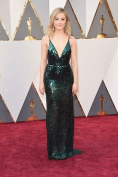 Saorise Ronan in metallic emerald green Calvin Klein Collection and Chopard earrings at the 2016 Oscars.