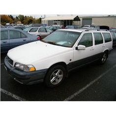 Make: Volvo Model: Cross Country Color: White Year: 1999 VIN#: YV1LZ56D7X2586716 License Plate: OR 322RRO Title: Will Update Monday Night Mileage: 0 Condition: Runs With Problems & Non Runners