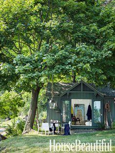Fabulouse little guesthouse or artist studio at Thom Filicia Lake House - Rustic Lake House Decor - House Beautiful