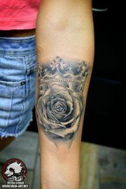 Stas Bust Realistic Rose Crown Tattoo