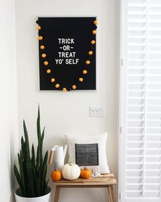 These Halloween decor ideas use basic phrase art. Browse through these Halloween decoration themes to get ready for Fall's favorite holiday. These outdoor / indoor Halloween decorating ideas are to die for!