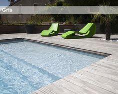 piscine avec abords en bois et jardin min ral dans bassins piscines et spa id e d coration de. Black Bedroom Furniture Sets. Home Design Ideas