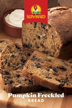 #FirstDayofFall Our Pumpkin Freckled Bread recipe is easy, delicious and will have your whole house smelling like fall. 🍂 #SunMaidRecipes #SunMaidRaisins #fallrecipes #pumpkinbread Raisin Recipes, Bread Recipes, Raisin Bread, Banana Bread, Date Nut Bread, Biscuit Bread, Pumpkin Bread, Bread Baking, Fall Recipes