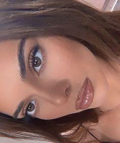 Kendall Jenner Eyes, Kendall Jenner Maquillaje, Trajes Kylie Jenner, Kendall Jenner Outfits, Kylie Jenner Makeup Look, Glowy Makeup, Natural Makeup, Beauty Makeup, Hair Makeup