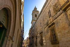 A complete guide to what to see in Mdina and Rabat, Malta including things to do, where to eat and places to stay. Malta, Things To Do, Places, Things To Make, Malt Beer, Lugares