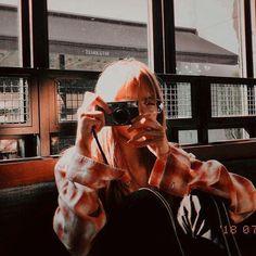 Lisa on ig Jennie Lisa, Blackpink Lisa, Kpop Aesthetic, Aesthetic Photo, South Korean Girls, Korean Girl Groups, Forever Young, K Pop, Lisa Blackpink Wallpaper