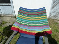 Nederdel i uld / bomuld. Skirt in wool / cotton.