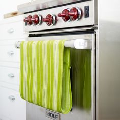 Hanging a dish towel from an oven door makes sense -- the towel is always at the ready, and the oven's warmth quickly dispels dampness. Here's a way to improve on the idea, keeping the towel from slipping off: Make it into a loop by attaching Velcro strips to two ends, one on the front and one on the back, below. Stitch in place, or use iron-on Velcro strips.
