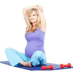 5 Best Ab Exercises for Expecting Moms to keep your tummy tight during pregnancy so you get a head start post-pregnancy. Prenatal Workout, Pregnancy Workout, Pregnancy Fitness, Workout Abs, Easy At Home Workouts, Workout Routines For Beginners, Pregnancy Health, Post Pregnancy, 10 Week Workout Plan