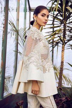 haute couture fashion – Gardening Tips Couture Fashion, Hijab Fashion, Fashion Show, Fashion Dresses, Indian Fashion, Womens Fashion, Fashion Details, Fashion Design, Pakistani Dresses