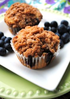 Cafe-style Blueberry Muffins